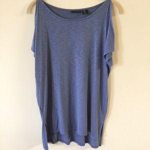 Tahari cold shoulder short sleeve Tee blue